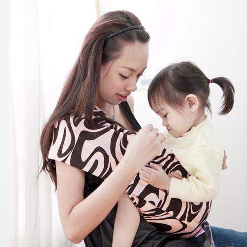 【奇買親子購物網】Una背巾~無環哺乳嬰兒揹巾(奧黛莉)