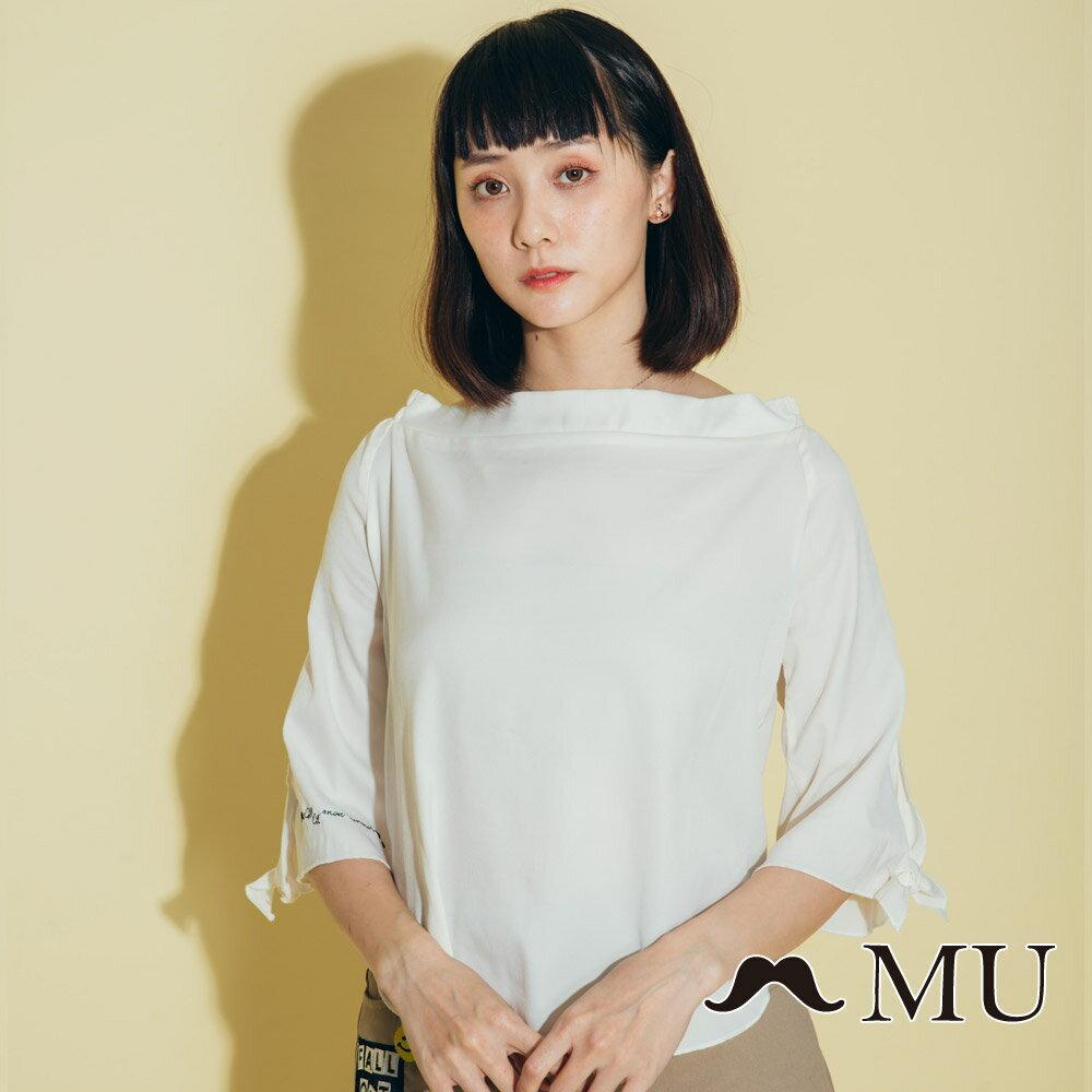 【MU】一字領袖子綁結上衣(2色)8323161 0