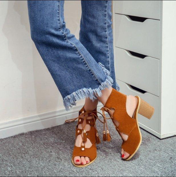 <br/><br/> 【Pyf】新款歐美 絨面流蘇綁帶 嬉皮感 粗高跟涼鞋 42 43 大尺碼女鞋<br/><br/>