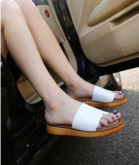 【Pyf】真皮 極簡寬版一字涼鞋 42 43 大尺碼女鞋