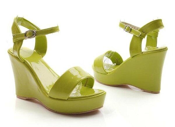 【Pyf】糖果色亮面漆皮一字楔型超高涼鞋4346超大尺碼女鞋