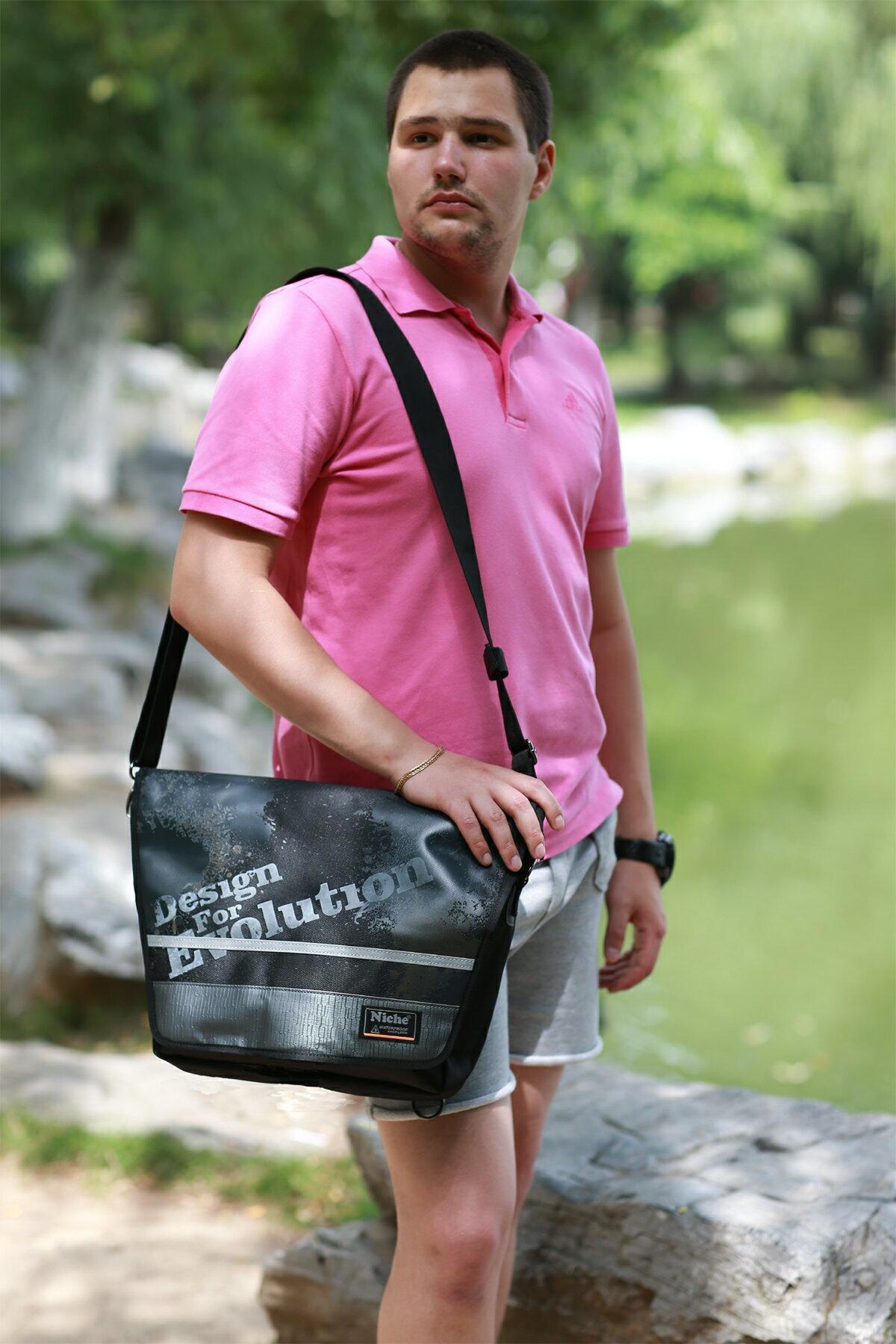 【N-5214】Niche 防水三用郵差包 防水背包 防水袋 戶外休閒背包 都會電腦包 袋子尺寸:43 x 35 x 9.5 公分 1