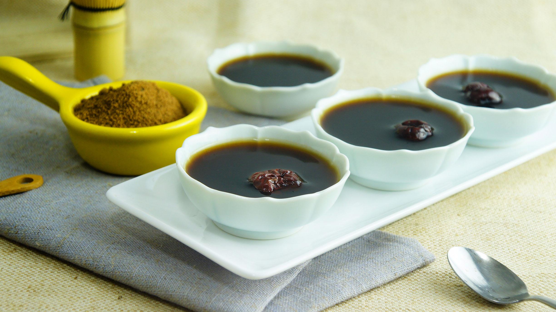 黑糖海燕窩(研磨粉狀),植物性膠原蛋白 冷的時候吃口感Q彈,熱的時候喝溫潤全身,養身健康。