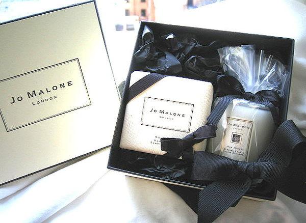 *Realhome*英國 Jo Malone 紅玫瑰蠟燭 &香皂 優雅推出 送禮美 ~限量品