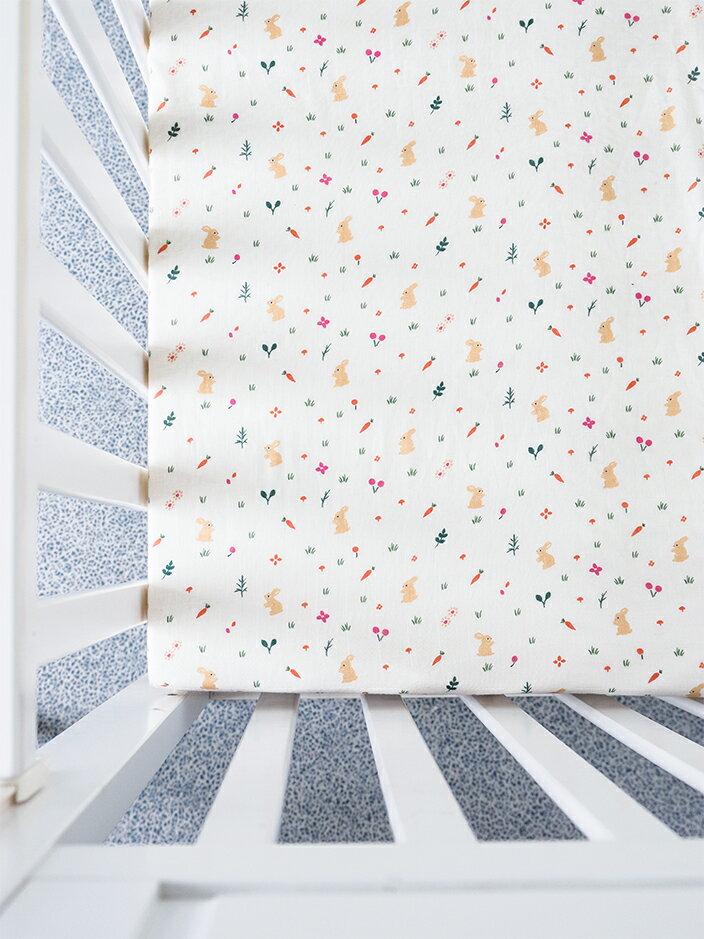 Organic B 有機棉床包-午後小野兔 70x140cm 嬰兒床 有機棉絲柔床包 嬰兒床包 有機比比 Unicorn