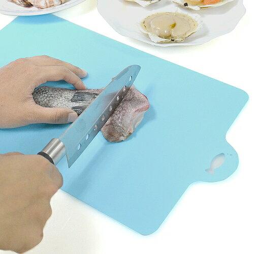 日本製造INOMATA可彎曲砧板(魚)1片裝