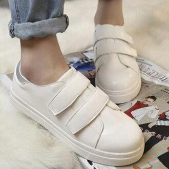 休閒鞋 明星同款素面魔鬼氈小白鞋【S1572】☆雙兒網☆