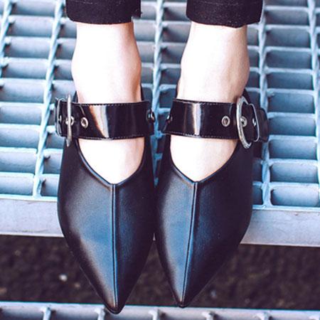 尖頭鞋 香港大牌V型金屬扣環尖頭鞋【S1586】☆雙兒網☆ 2
