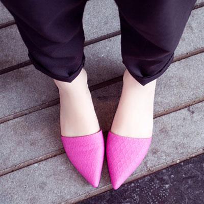 時尚皮革性感尖頭拖鞋【S521】☆雙兒網☆ 0