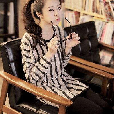 ☆雙兒網☆甜蜜冬氛.【U274】歐美時尚直條紋QQ毛下擺圓弧上衣-共三色
