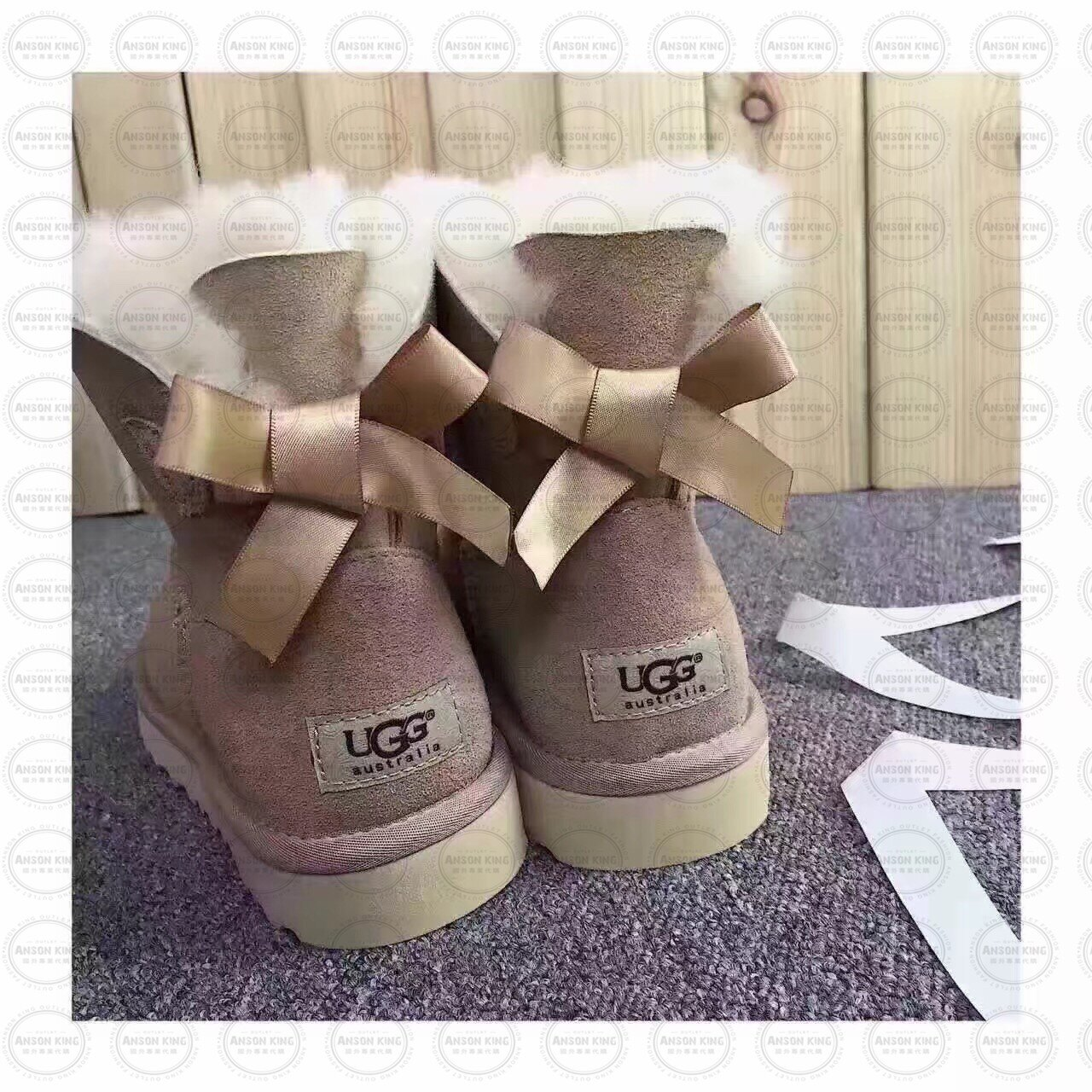 OUTLET正品代購 澳洲 UGG 單蝴蝶結羊皮毛一體 中長靴 保暖 真皮羊皮毛 雪靴 短靴 摩卡色 0