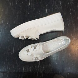 Keds x kate spade NEW YORK 白色 珍珠白 花朵 小花 鑲鑽 新娘 婚紗 婚嫁系列 厚底 增高 帆布 懶人鞋 聯名款 限時贈送Keds購物袋 送完為止