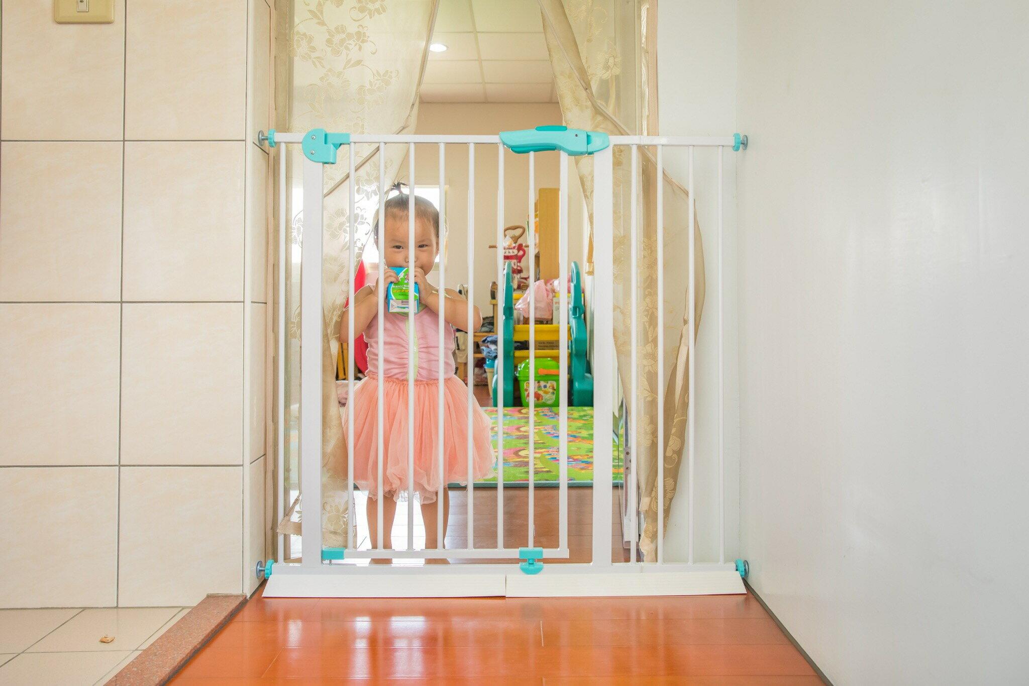 babysafe 新款 嬰兒童安全門欄 寶寶樓梯防護欄 寵物圍欄 寵物柵欄 狗柵欄 隔離門 加高100cm