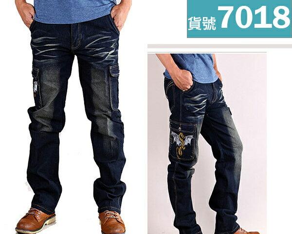 【CS衣舖.7018】側口袋 日系刺繡 造型刷色 中直筒 伸縮牛仔褲 工作褲 M-5L