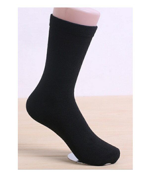 襪子 黑色中筒襪 買五送一  中筒襪 黑襪 長襪 穿搭 素色 運動襪 潮男必備 1