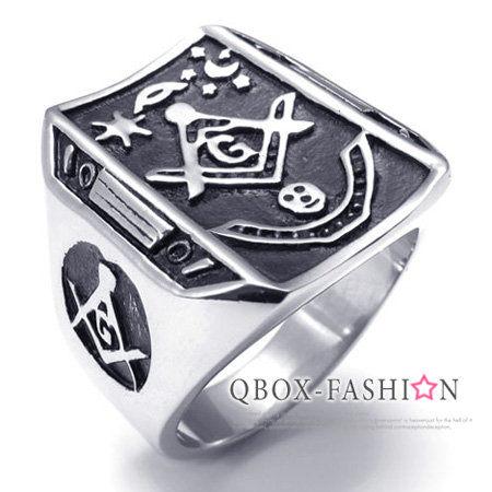 《 QBOX 》FASHION 飾品【W10021839】精緻個性方盾日月共濟會鑄造316L鈦鋼戒指/戒環