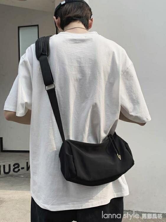 男士包包休閒百搭斜背包女學生斜跨單肩包2021新款日系小背包