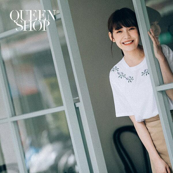 QueenShop【01037219】葉子刺繡圖案造型圓領短T兩色售*預購*