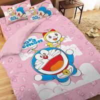 小叮噹週邊商品推薦【享夢城堡】精梳棉雙人床包涼被四件式組-哆啦A夢DORAEMON 天空漫遊-粉