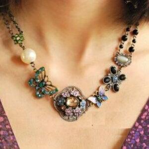 美麗大街【GX0262】 歐美復古彩色水鑽蝴蝶鏤空花朵珍珠女短款項鍊