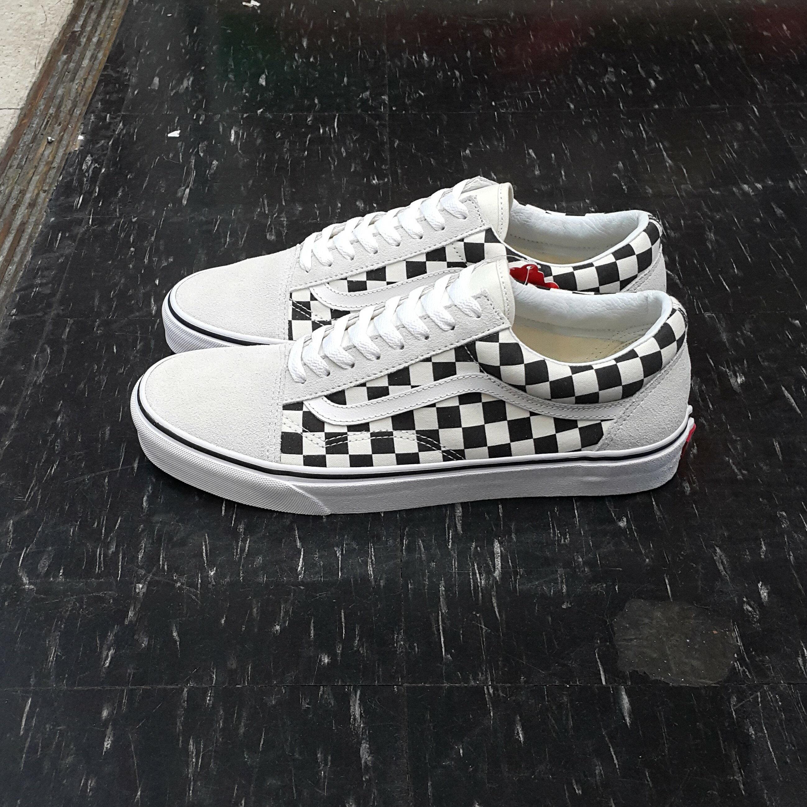VANS Old Skool Checkerboard White / Black 棋盤格 白黑 白色 米白色 黑色 麂皮 帆布 格子 基本款 滑板鞋