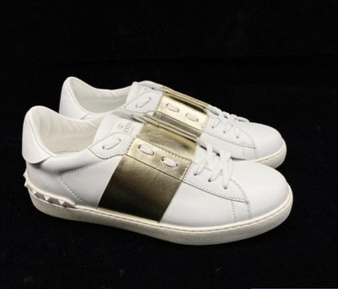 VALENTINO 燙金 皮革 小白鞋 size 41. 特價12800/雙💜