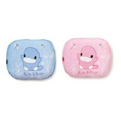 【全系列滿$500送夜燈玩具】台灣【Kuku 酷咕鴨】涼感嬰兒枕-0~6個月(粉/藍) - 限時優惠好康折扣