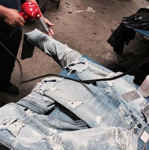 【JP.美日韓】歐美水洗做舊大破壞KANYE WEST側拉鍊修身牛仔褲膝蓋貓須破洞 大尺碼 非KENNY Y3
