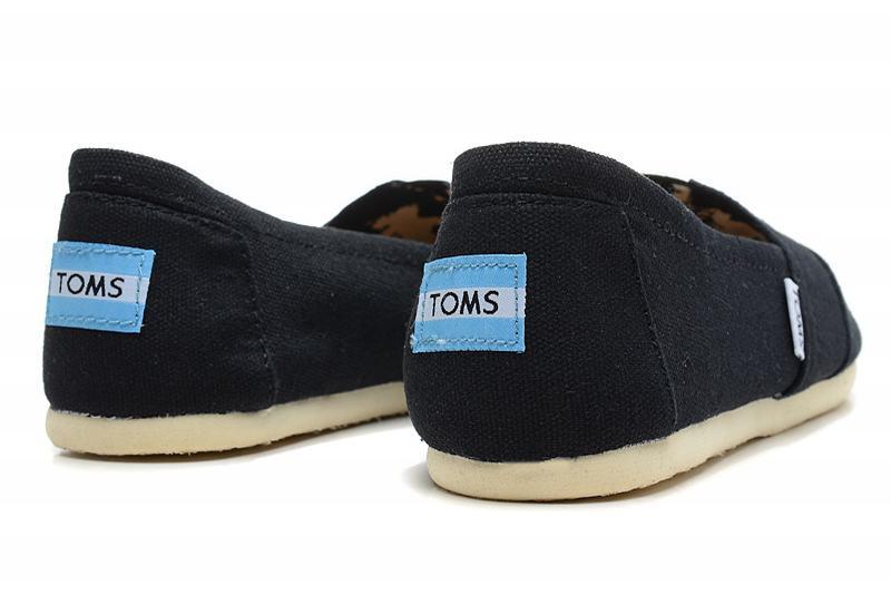 【TOMS】黑色素面基本款休閒鞋  Black Canvas Women's Classics 4