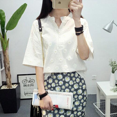 上衣 - 韓版花朵印花寬鬆亞麻短袖襯衫【29109】藍色巴黎《3色》現貨+預購 2