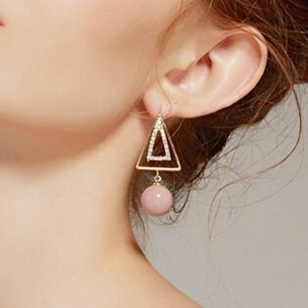 糖衣子輕鬆購【BA0115】韓版甜美個性幾何雙層三角形粉珠墜飾耳環耳針耳飾