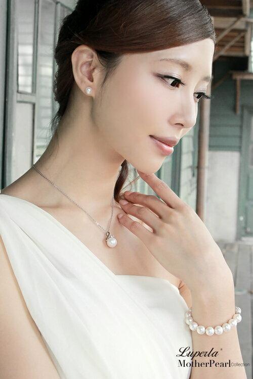 大東山珠寶 歐巴馬璀璨鑲鑽貝珠項鍊耳環套組 2