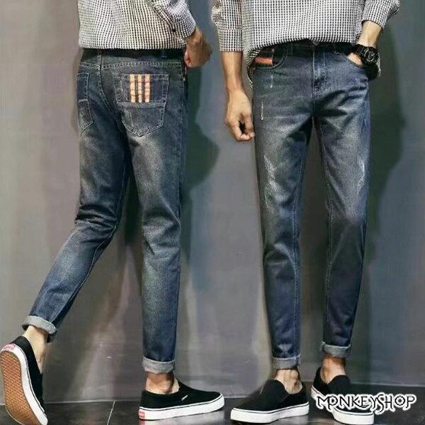 Monkey Shop:《MonkeyShop》【MMM210】韓系微刮破後口袋三條紋造型牛仔褲
