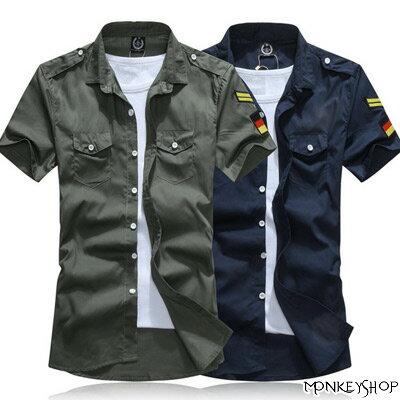 韓版短袖襯衫上衣【BSN3026】筆挺美式軍裝風左肩勳標拼接貼布短袖襯衫 2色《Monkey Shop》