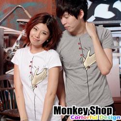 《MonkeyShop》【C12064】經典實搭街頭流行款TOUCHME!手摸胸印花短T-共二色