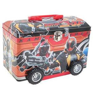 有樂町進口食品 日本空運限定  Heart卡通圖案汽車造型鐵盒 假面超人手提鐵製盒 4977629614740