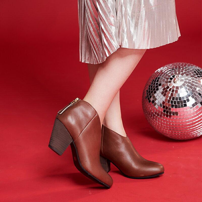 【B2-16103L】真皮後拉鍊粗跟短靴_Shoes Party 1