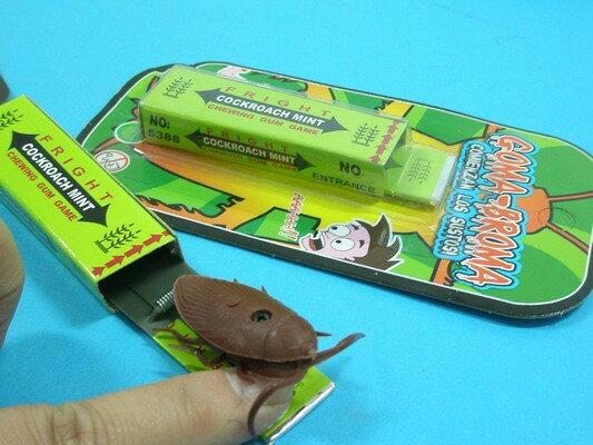 整人口香糖 口香糖造型整人玩具 彈簧夾口香糖/一袋12個入{定10}