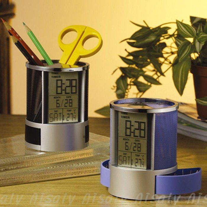 【萬年曆筆筒】AP0378 時間 電子計時器 音樂 筆筒 溫度計 紀念品鬧鐘 多功能LED筆筒 電子筆筒 時鐘筆筒【狂麥市集】
