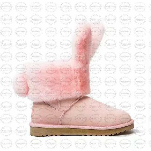 OUTLET正品代購 澳洲 UGG x DUEPLAY 聯名兔耳朵 雪靴 保暖 真皮羊皮毛 雪靴 短靴 粉色 1