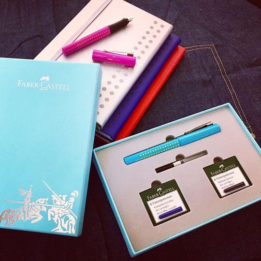 【Faber-Castell輝柏】好點子馬卡龍鋼筆禮盒組(鋼筆EF尖+卡式墨水黑藍各1+吸墨器)