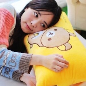 美麗大街【105121407】拉拉熊造型長枕 枕頭 靠枕