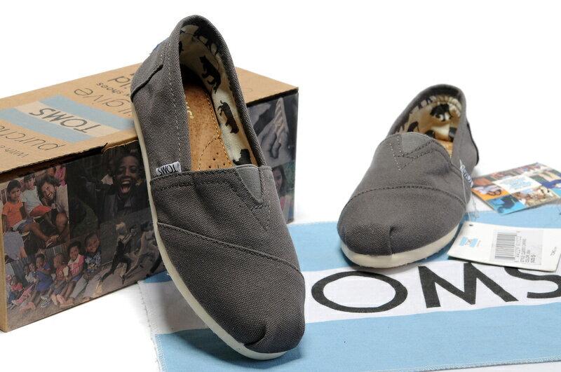 【TOMS】灰色素面基本款休閒鞋   Ash Canvas Women's Classics 4