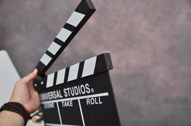 導演板 打板 (小號款) 打版拍攝 場記板黑板 場記 木質 中英文 電影場記板 電影打板【塔克】