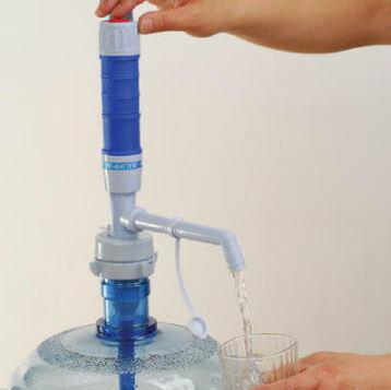 加長到桶底電動飲水器電動泵壓水機飲水機抽水壓水泵電池式 199元 - 限時優惠好康折扣