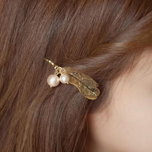 PS Mall 新款髮飾 韓版復古典雅氣質金色羽毛珍珠邊夾劉海夾髮夾頭飾【G2071】