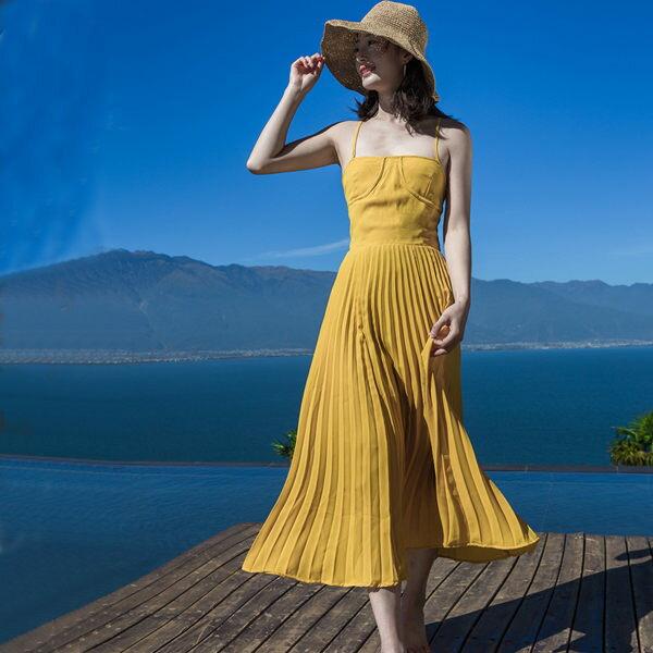 PSMall黃色海邊度假吊帶露背中長款連身百褶裙洋裝【T119】