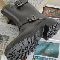 下雨天推薦雨靴/雨傘/雨衣推薦LINAGI 里奈子精品 【E932549】新款風靡歐美日韓機車靴風格時尚女雨靴雨鞋