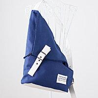 里奈子 Li-nagi:LINAGI里奈子精品【H402-62-51】獨特仿直角三角造型皮帶扣式背帶拉鍊帆布包