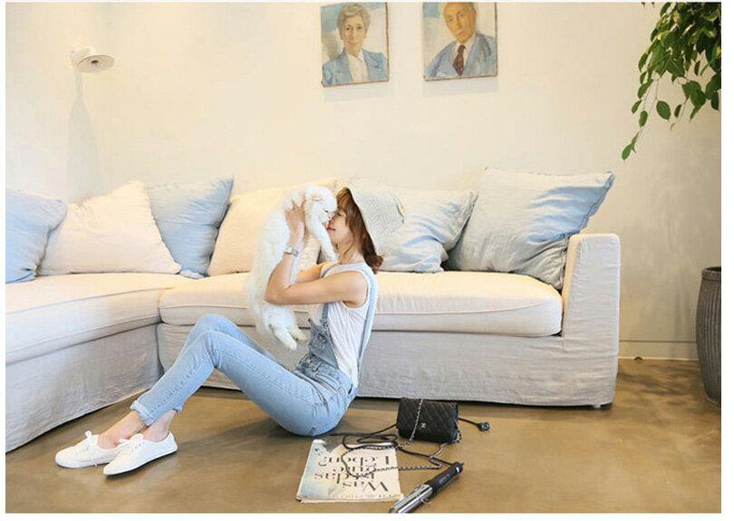 韓國連線韓版縮口褲連身褲 艾爾莎 俏麗修身顯瘦排釦淺色牛仔吊帶褲【TAK2559】 2